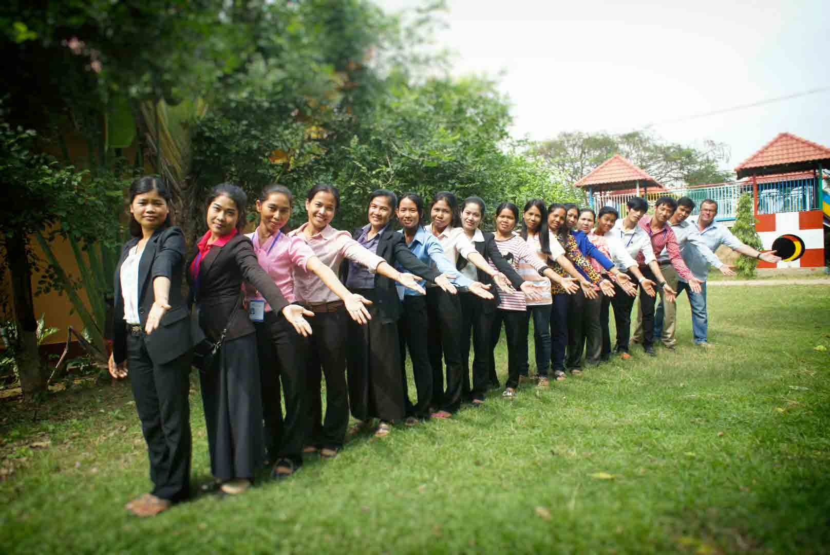 Humanitarian volunteers specialising in the fight against child abuse and trafficking in Cambodia. The NGO AVEC is a reference in the field of child protection.